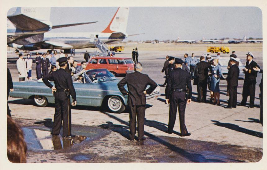 forming-of-presidential-parade-love-field-dallas-texas_10986251756_o