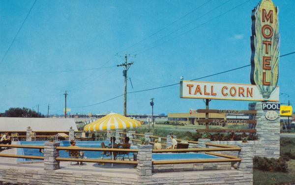 tall-corn-motel-davenport-iowa