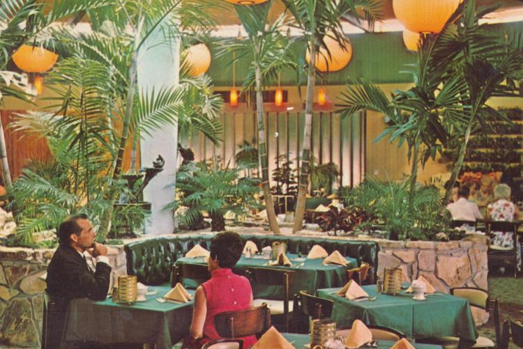FL, St. Petersburg - Sand Dollar Restaurant 5